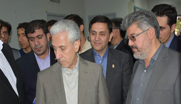 بازدید وزیر علوم از دستاوردهای پارک علم و فناوری استان