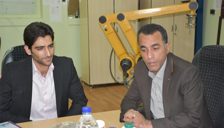دیدار رئیس منطقه ویژه اقتصادی استان با مهندس حسینی مخترع دستگاه ماشین بینایی