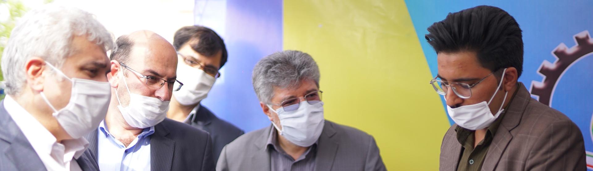 بازدید دکتر ستاری معاون علمی و فناوری رئیس جمهور از نمایشگاه محصولات شرکت های مستقر در پارک علم و فناوری خراسان جنوبی