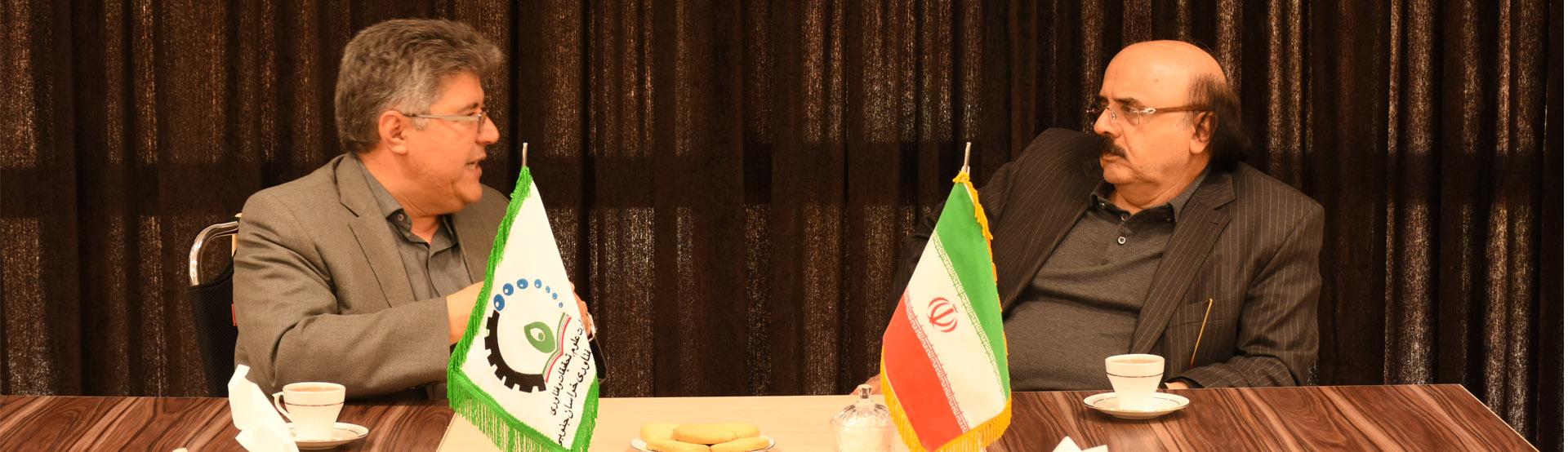 بازدید رئیس گروه صنعتی ناصری از پارک علم و فناوری خراسان جنوبی
