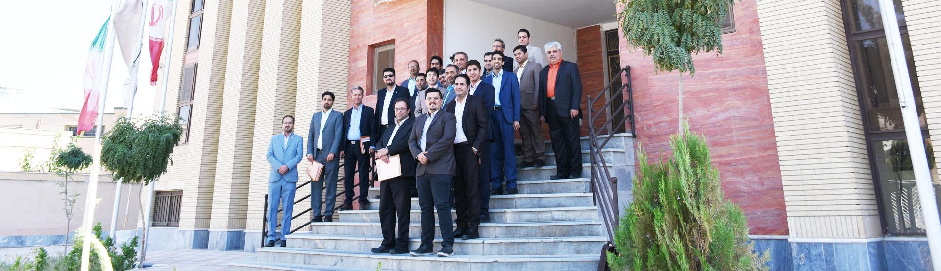 نشست مدیران حقوقی مراکز آموزش عالی منطقه 9 کشور به میزبانی پارک علم و فناوری خراسان جنوبی و دانشگاه صنعتی بیرجند
