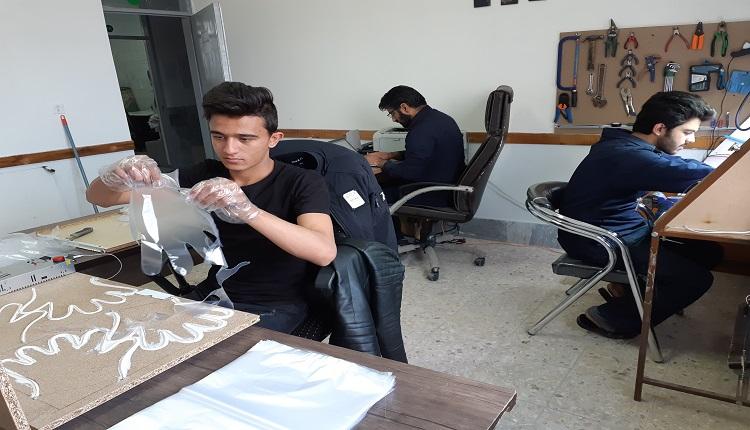 دستگاه تولید دستکش های پلاستکی در مرکز رشد واحدهای فناور قاین ساخته شد