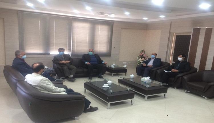 نشست با مدیرکل امور اقتصادی و داریی در خصوص ساختمان مرکز رشد واحد های فناور قاین برگزار شد