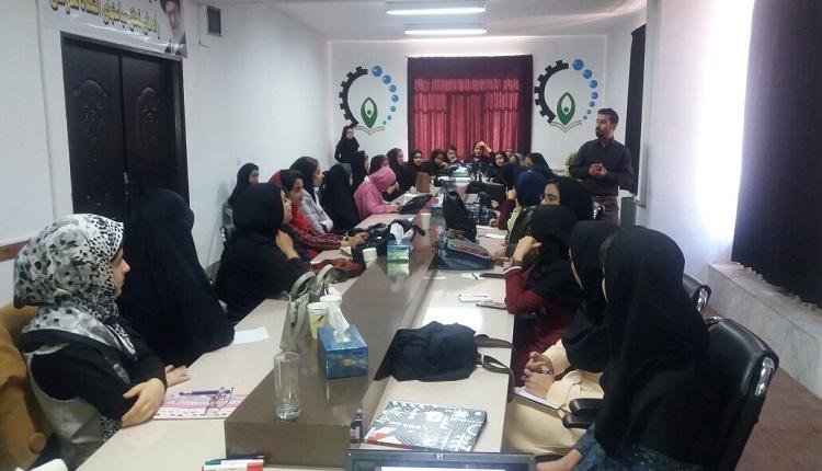کارگاه خلاقیت وایده یابی گروه دوم  دانش آموزان طرح اتاق کارآفرینی برگزار شد