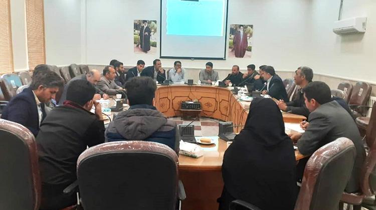 برگزاری جلسه آموزشی کارآفرینی و آشنایی با مرکز رشد برای دهیاران بخش دستگردان طبس