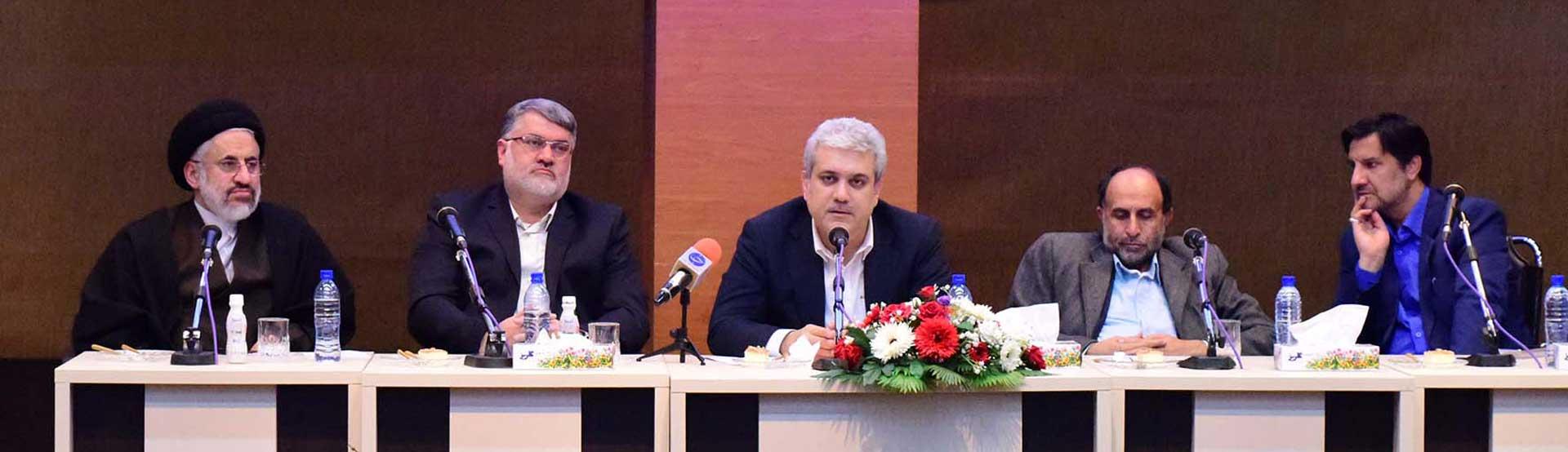 معاون علمی و فناوری رئیس جمهوری قول داد: کمک ۳ میلیارد تومانی برای تامین زیرساخت مراکز رشد استان